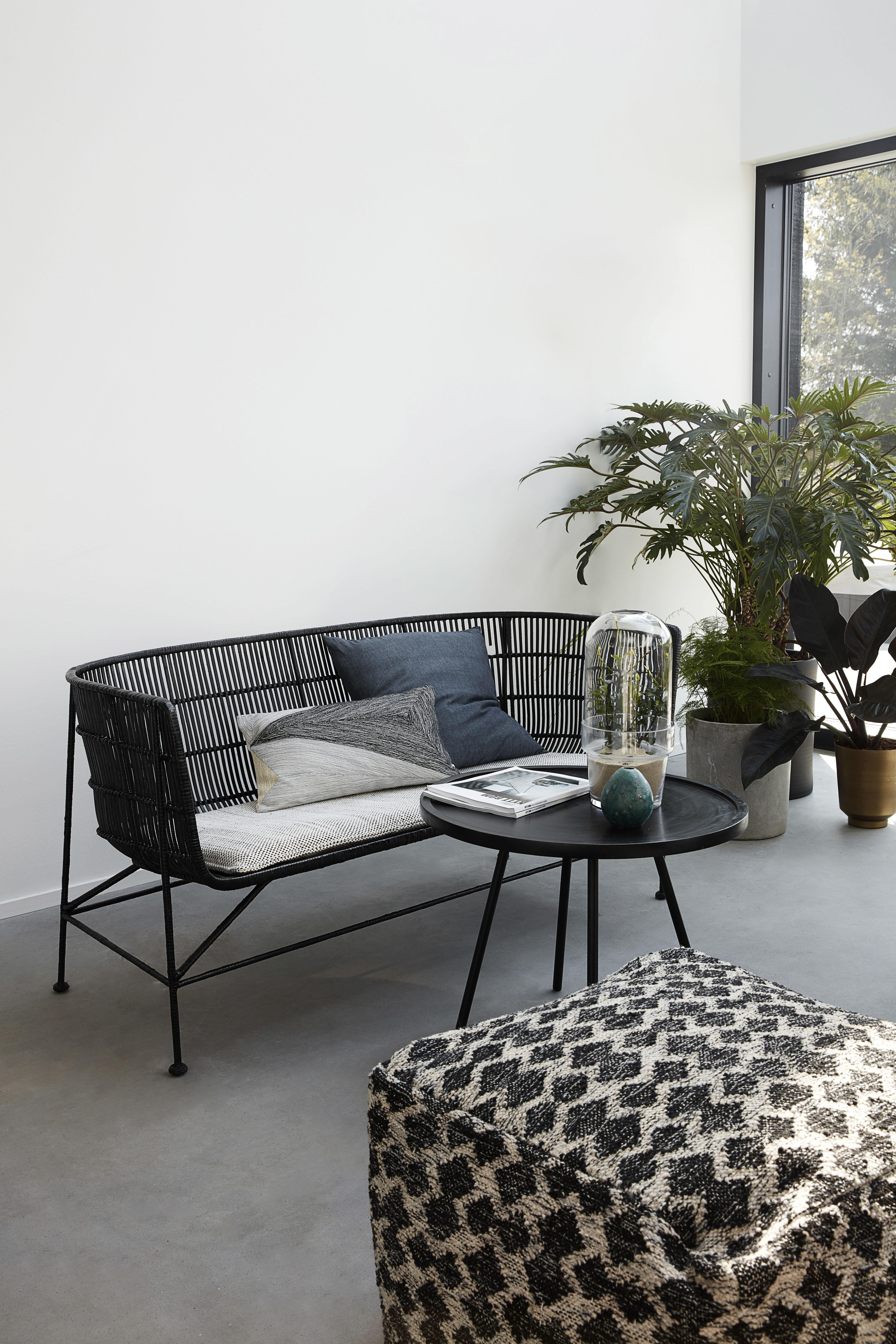 coussin d 39 assise pour banquette cuun coussin blanc. Black Bedroom Furniture Sets. Home Design Ideas