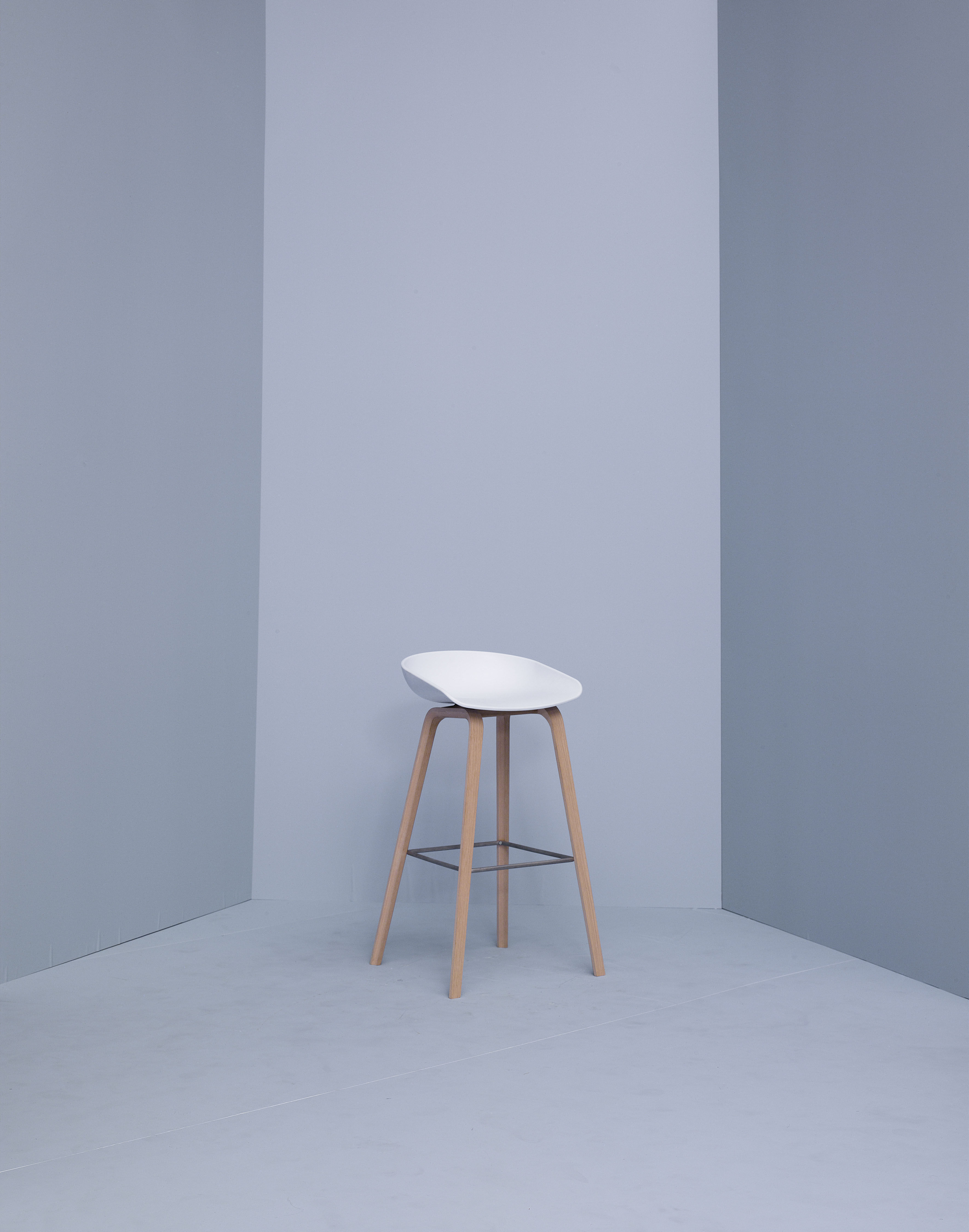 About A Stool Aas 32 Bar Stool H 75 Cm Plastic Amp Wood