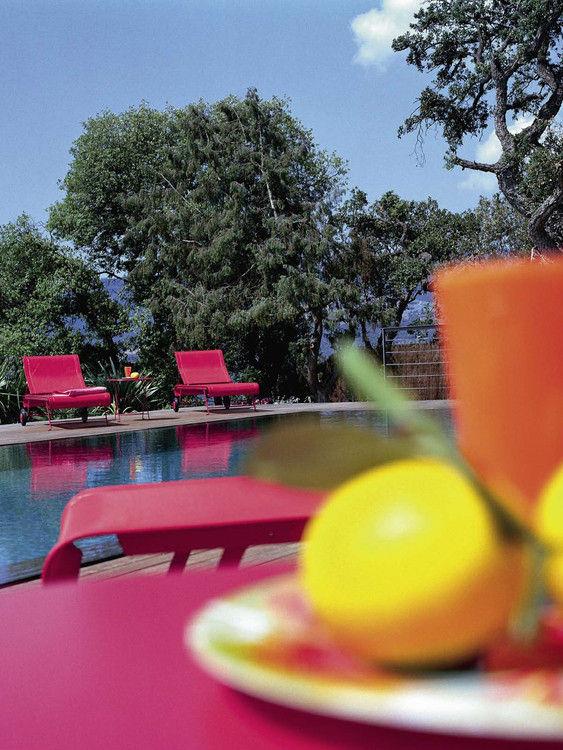 bain de soleil dune fuchsia fermob. Black Bedroom Furniture Sets. Home Design Ideas
