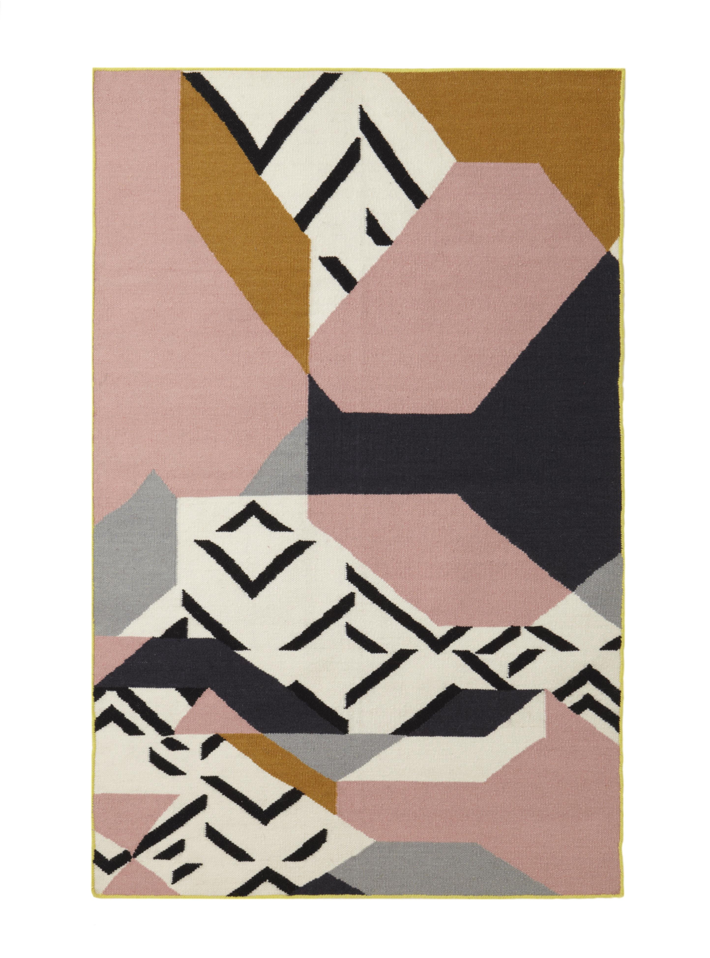 Tapis lakm 120 x 180 cm rose mapoesie - Made in design tapis ...