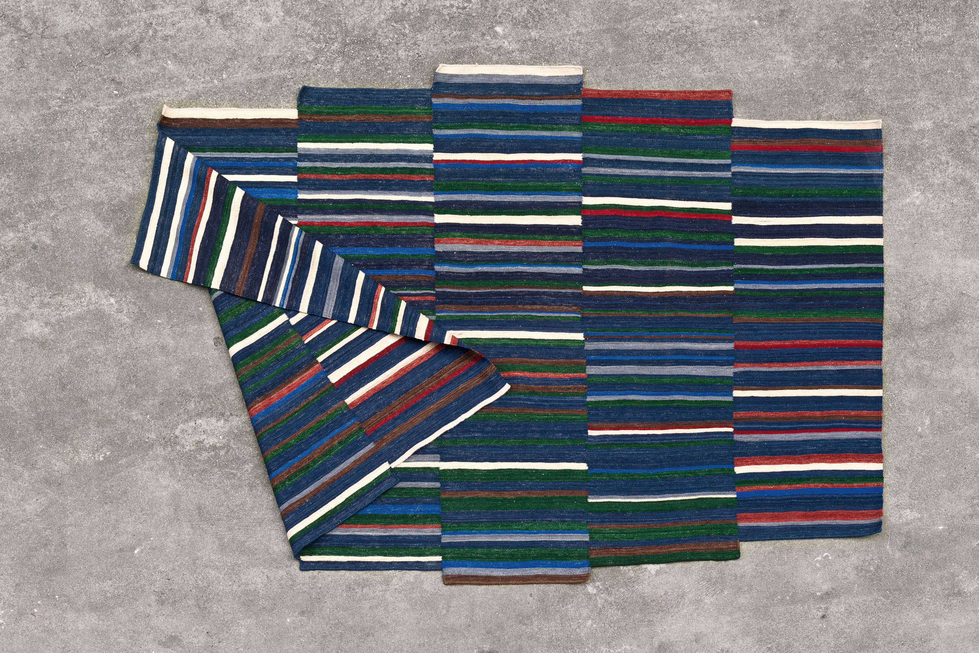 Tapis lattice 1 185 x 300 cm tons bleus multicolore - Made in design tapis ...