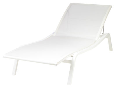 Outdoor - Reclining chairs / Sun loungers - Alizé Sun lounger  / 3 positions by Fermob - White - Lacquered aluminium, Polyester cloth