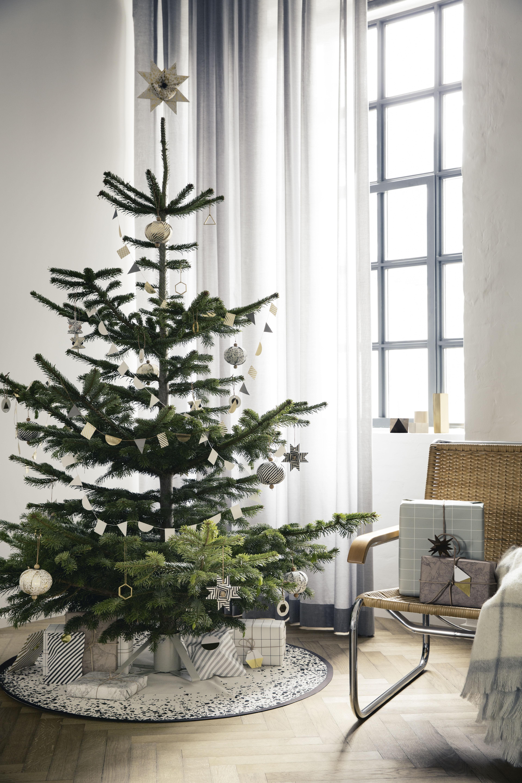 tapis octagon pour sapin de no l 120 cm noir ferm living made in design. Black Bedroom Furniture Sets. Home Design Ideas