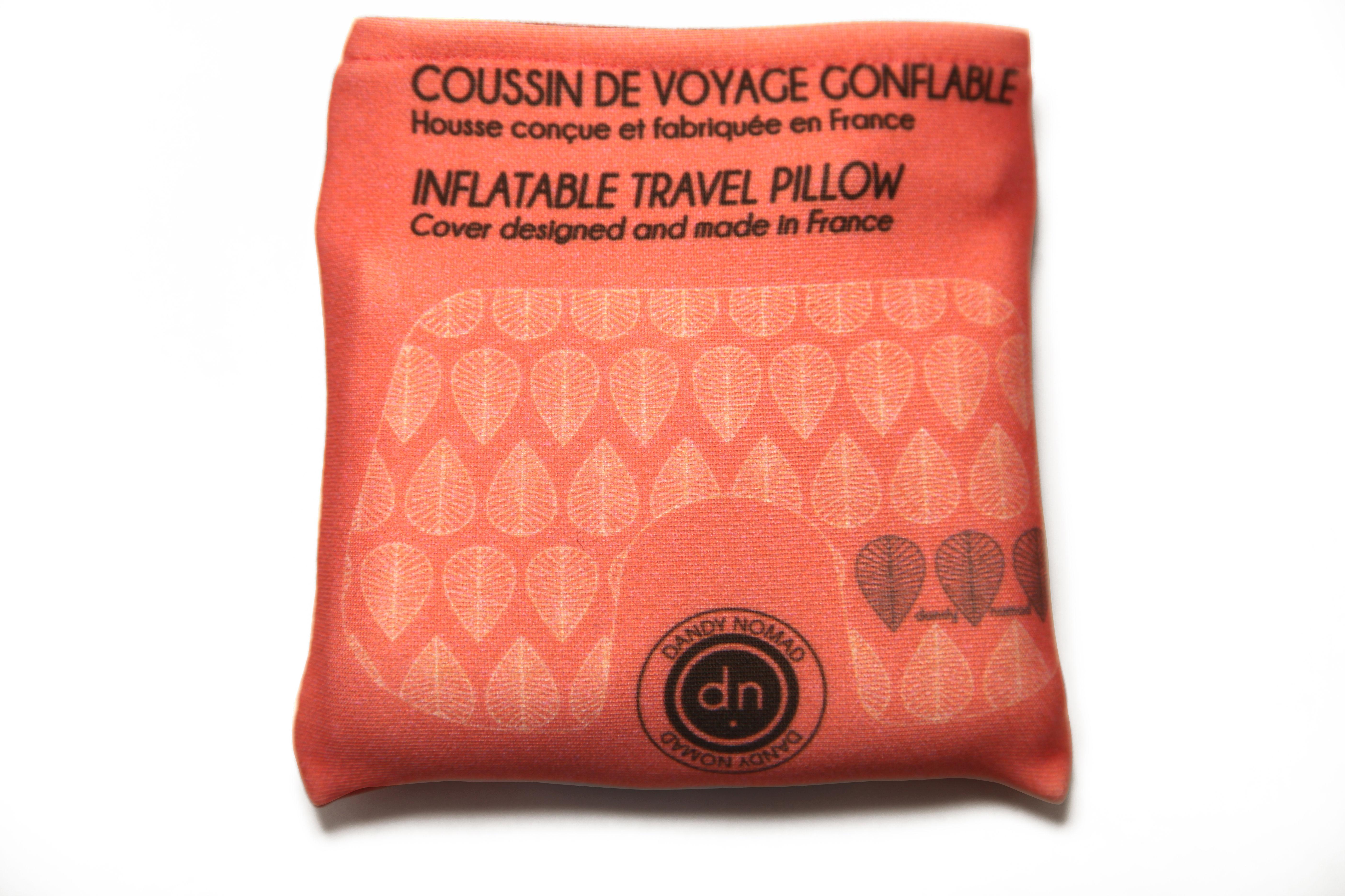 coussin de voyage oceanic attitude gonflable avec pochette de rangement corail dandy nomad. Black Bedroom Furniture Sets. Home Design Ideas