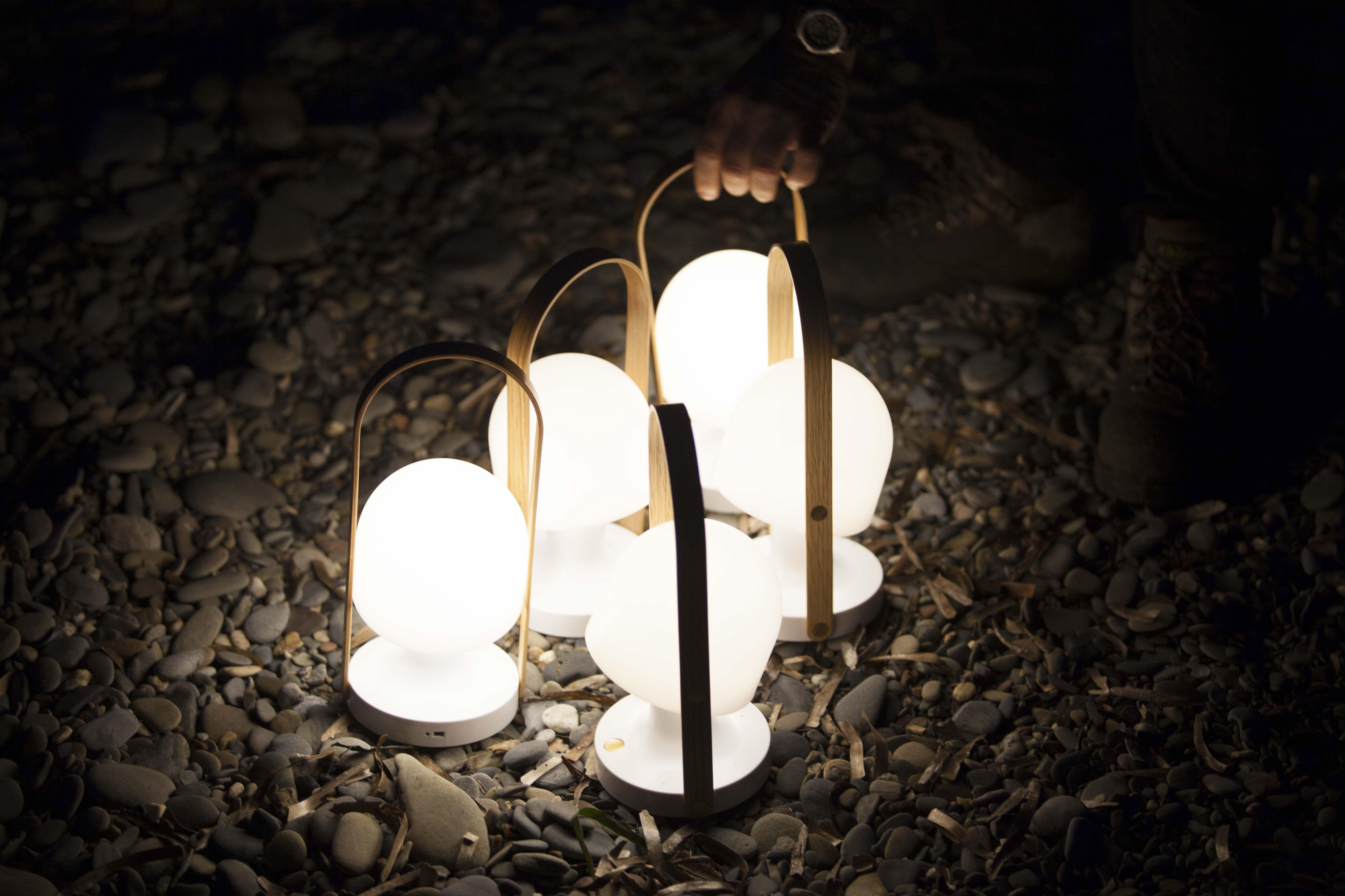 lampe sans fil followme led h 29 cm h 29 cm blanc bois marset. Black Bedroom Furniture Sets. Home Design Ideas