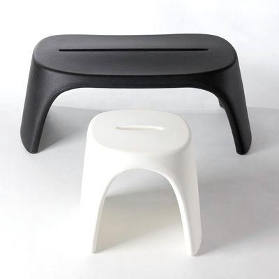 tabouret empilable am lie plastique orange slide made in design. Black Bedroom Furniture Sets. Home Design Ideas