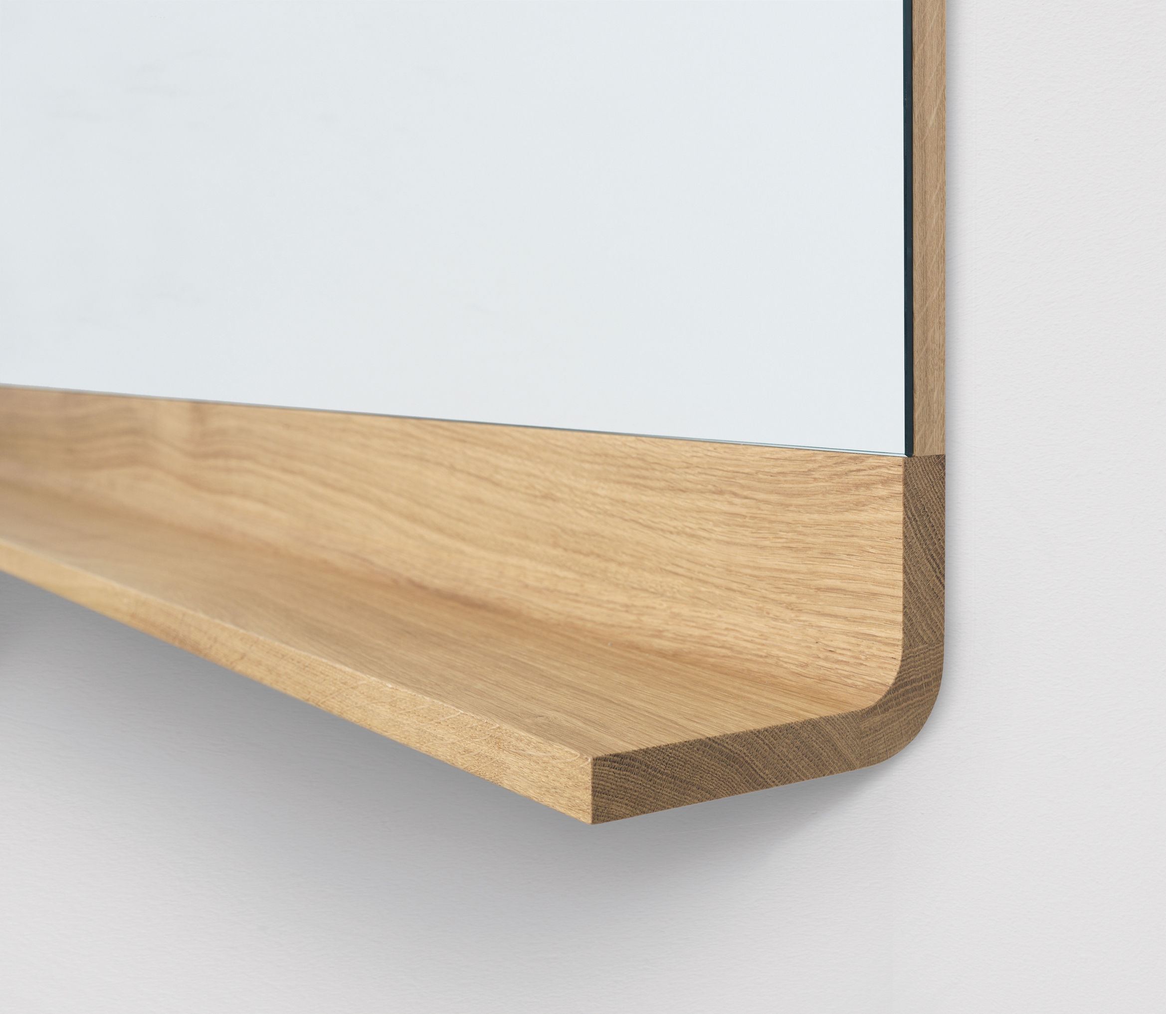 Miroir antlitz horizontal l 228 cm horizontal ch ne for Miroir horizontal design