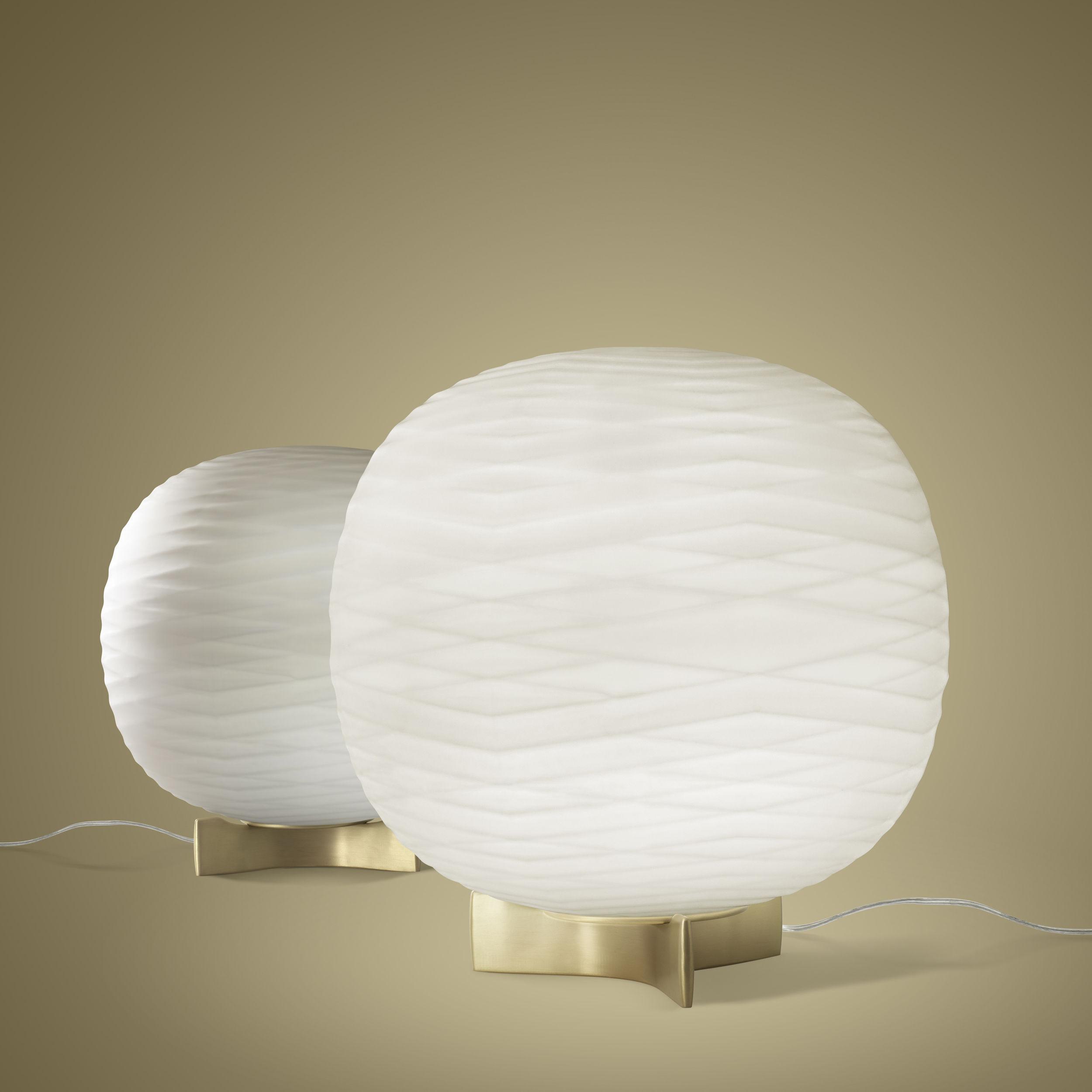 lampe de table gem verre souffl blanc or foscarini. Black Bedroom Furniture Sets. Home Design Ideas