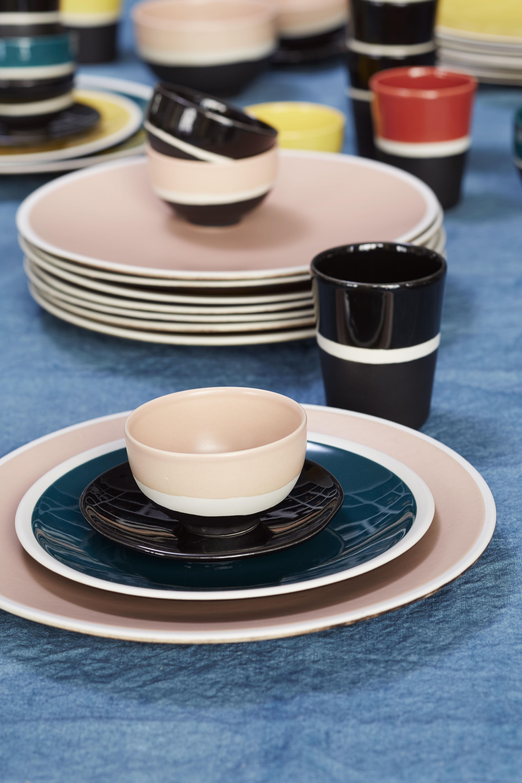 assiette sicilia 26 cm bleu sarah blanc maison sarah lavoine. Black Bedroom Furniture Sets. Home Design Ideas