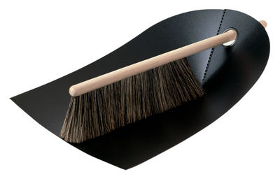 Set pelle & balayette Dustpan & broom - Normann Copenhagen noir en matière plastique
