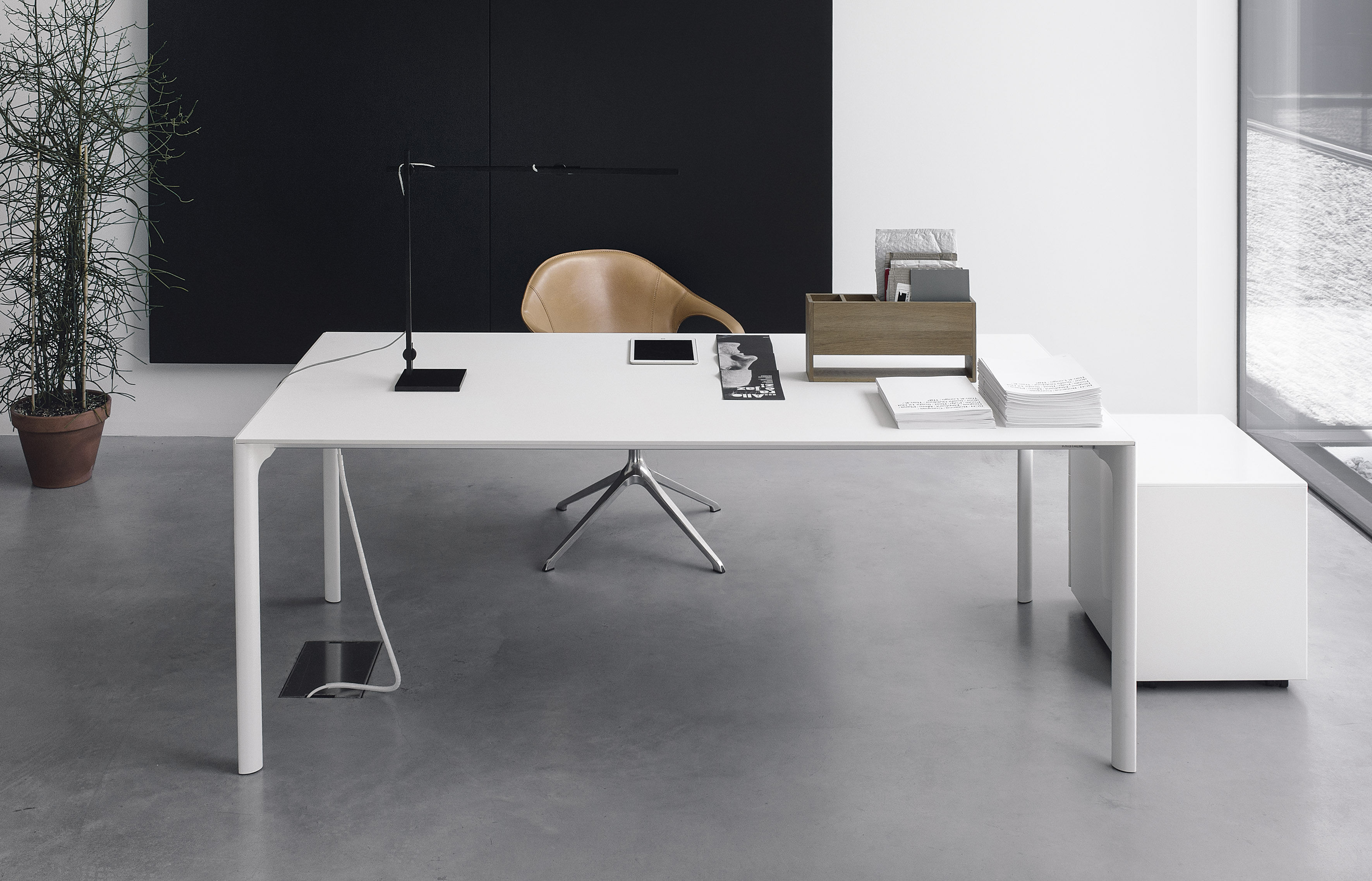 Maki table 140 x 90 cm blanc by kristalia for Table extensible kristalia