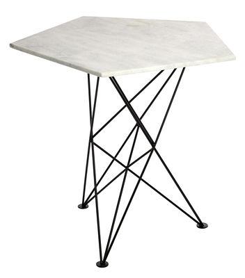 gu ridon pentagon marbre m tal marbre blanc pied noir pols potten made in design. Black Bedroom Furniture Sets. Home Design Ideas
