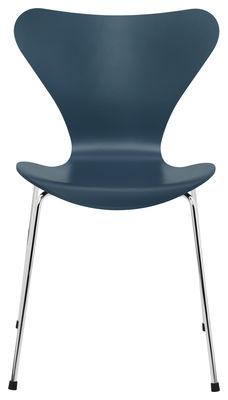 chaise empilable s rie 7 fr ne teint bleu p trole fritz hansen. Black Bedroom Furniture Sets. Home Design Ideas