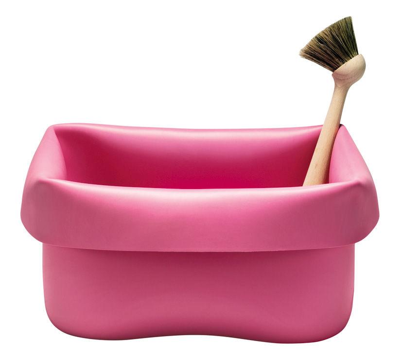 Bassine washing up bowl en caoutchouc avec brosse rose for Bassine caoutchouc