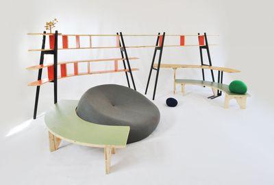 Möbel   Couchtische   Le Hasard Couchtisch / Bogenförmiger Tisch   B 136 X  T 136