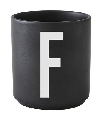Mug Arne Jacobsen / Porcelaine - Lettre F - Design Letters noir en céramique