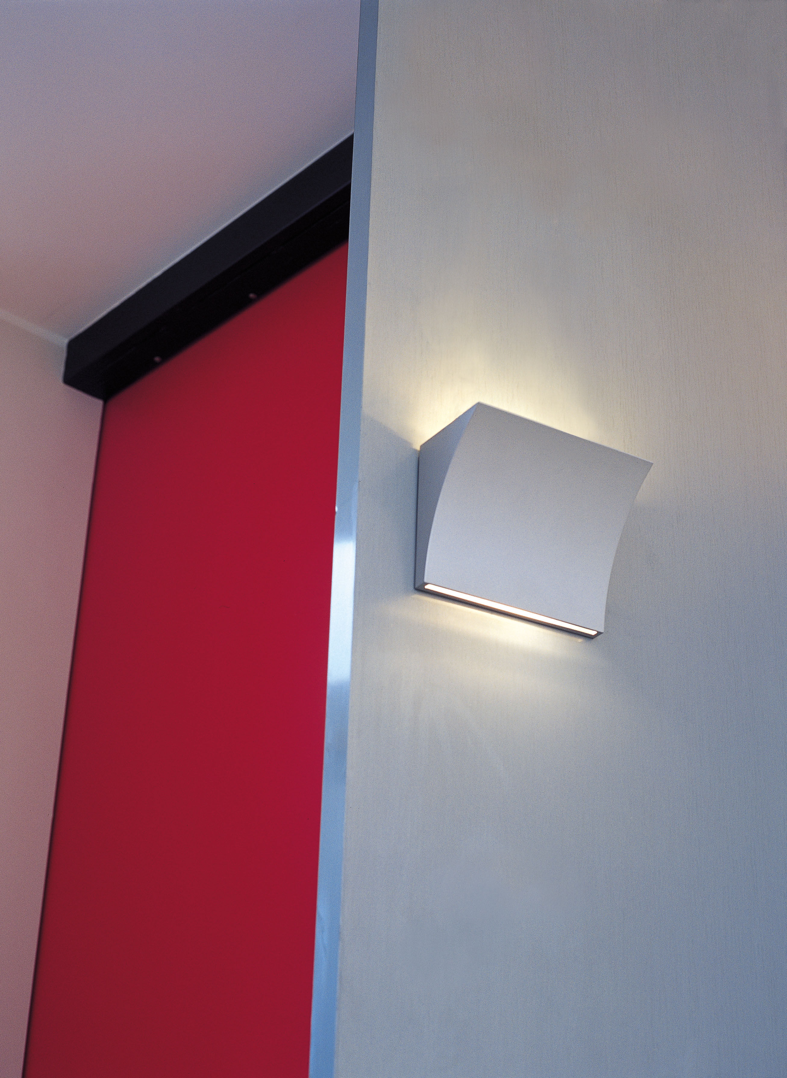 Pochette up down wall light chrome by flos for Applique exterieur up down