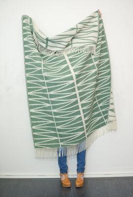 plaid helmi laine r versible 130 x 180 cm vert d 39 eau blanc brita sweden. Black Bedroom Furniture Sets. Home Design Ideas