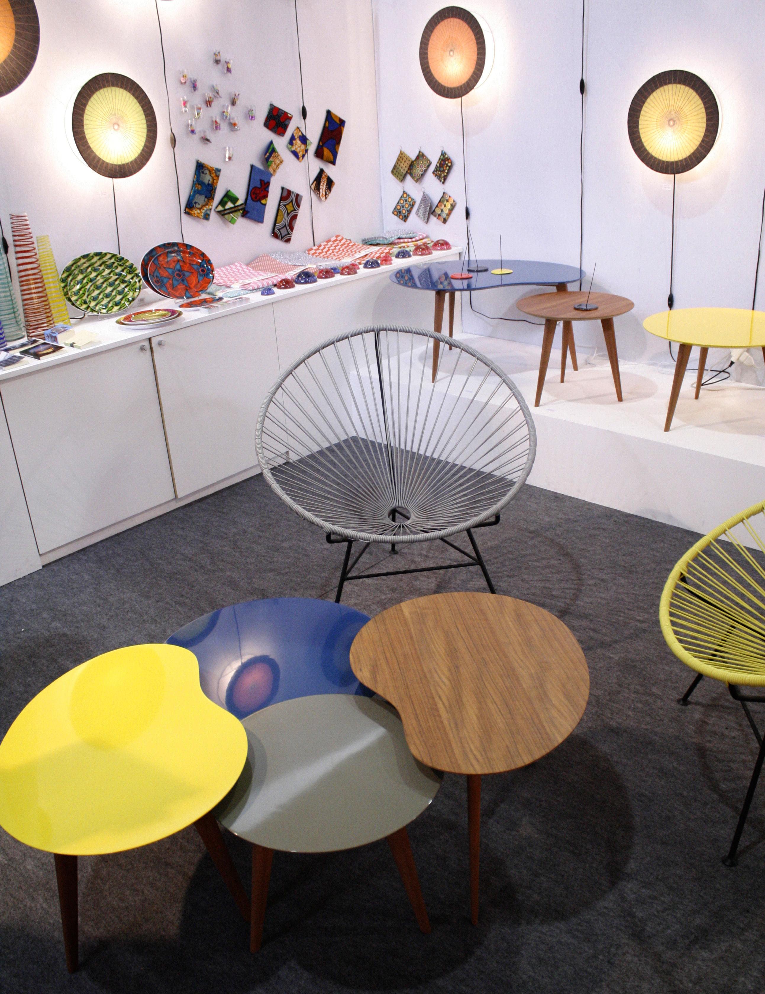 table basse lalinde haricot large bleu pieds bois. Black Bedroom Furniture Sets. Home Design Ideas