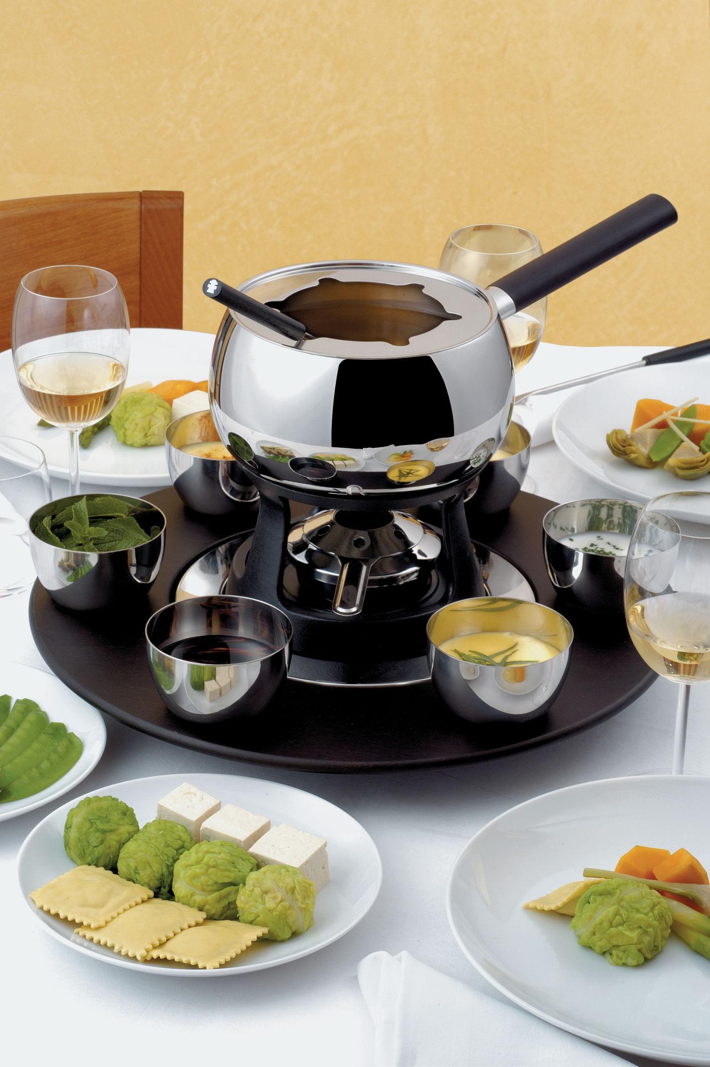mami fondu service for fondue bourguignonne bourguignonne set by alessi. Black Bedroom Furniture Sets. Home Design Ideas