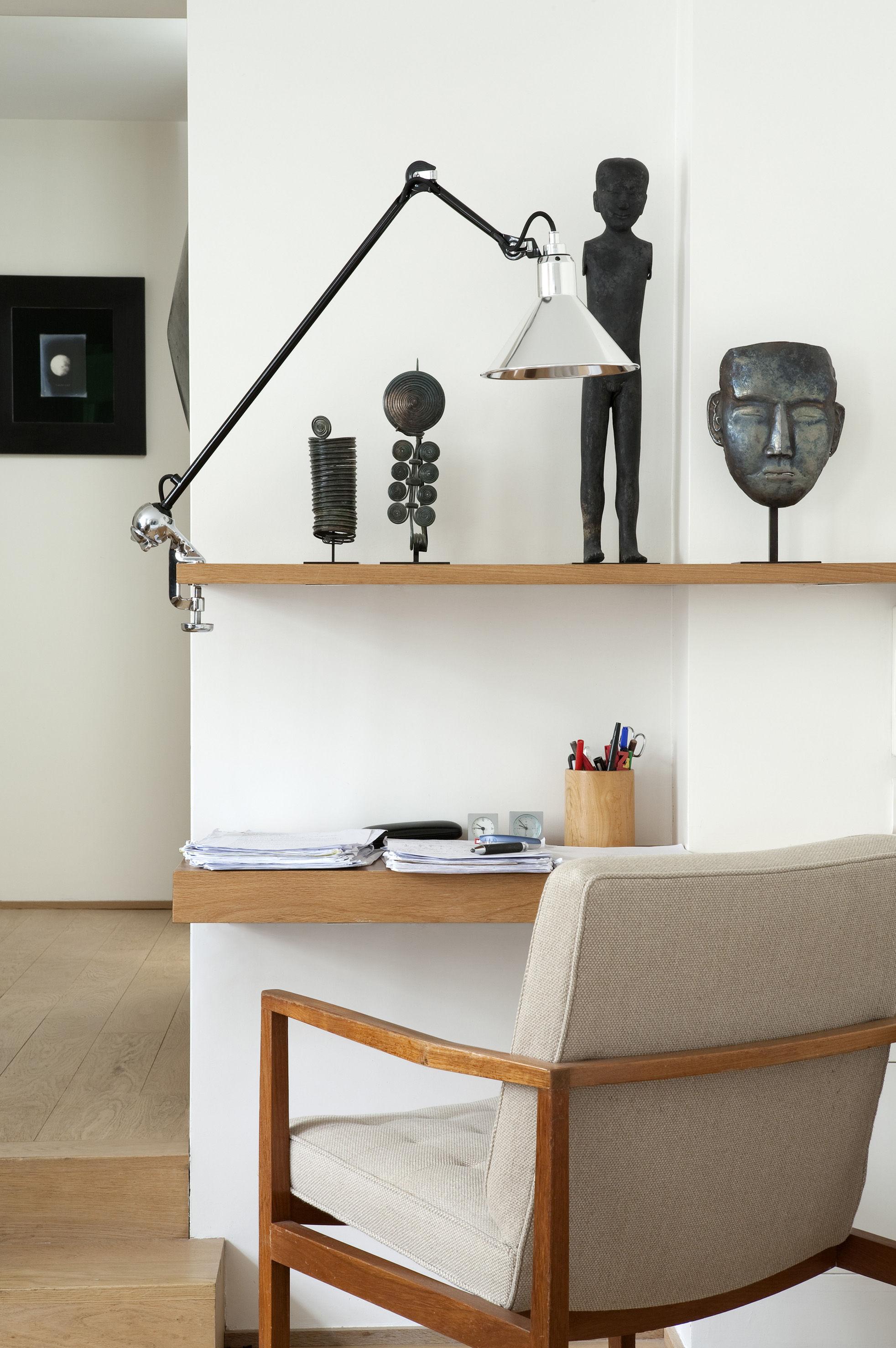 lampe d 39 architecte n 201 base tau lampe gras abat jour noir bras noir dcw ditions. Black Bedroom Furniture Sets. Home Design Ideas