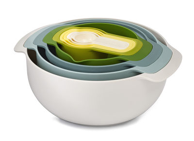Saladier Nest Plus / Passoire & bol-doseur - 9 pièces empilables - Joseph Joseph blanc,jaune,vert en matière plastique