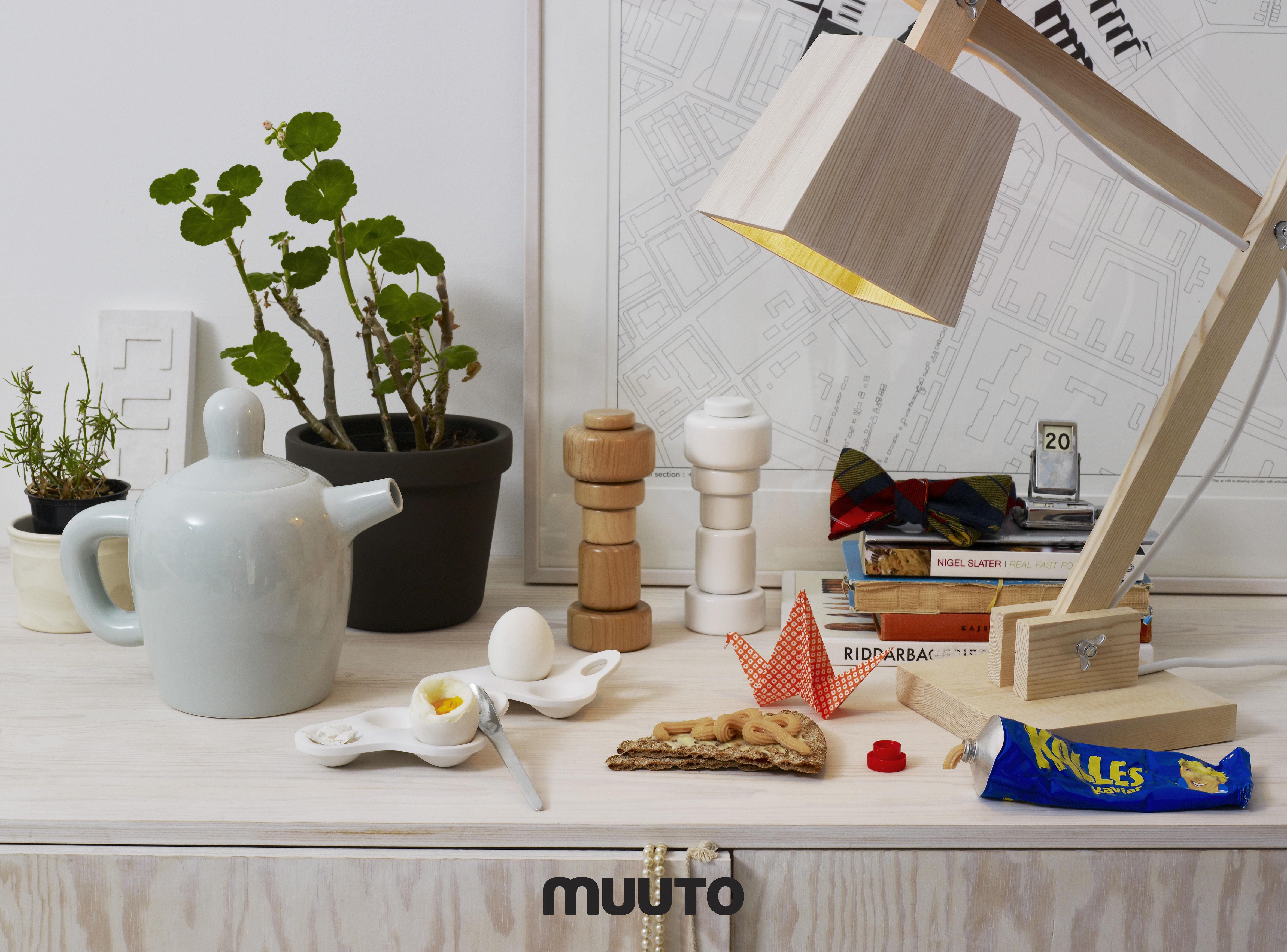 lampe de table wood lamp bois fil blanc muuto made in design. Black Bedroom Furniture Sets. Home Design Ideas