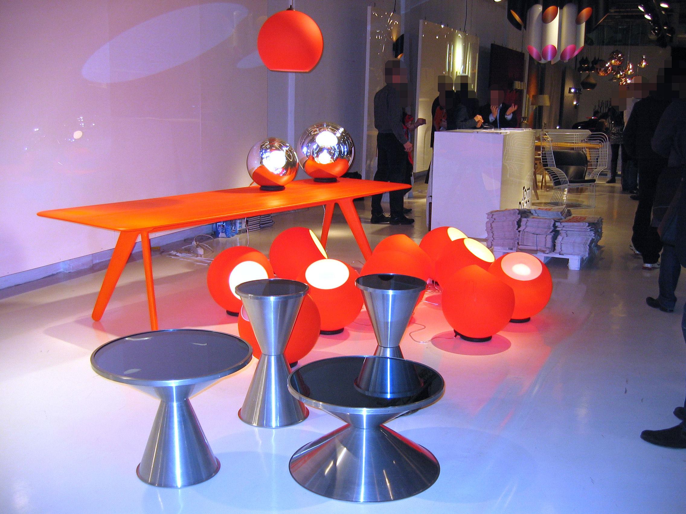 Tom Dixon Lampada Fluoro : Fluoro lampada da tavolo arancione fosforescente by tom