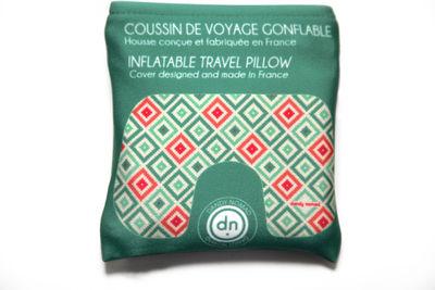 coussin de voyage american authentic gonflable avec pochette de rangement vert dandy nomad. Black Bedroom Furniture Sets. Home Design Ideas