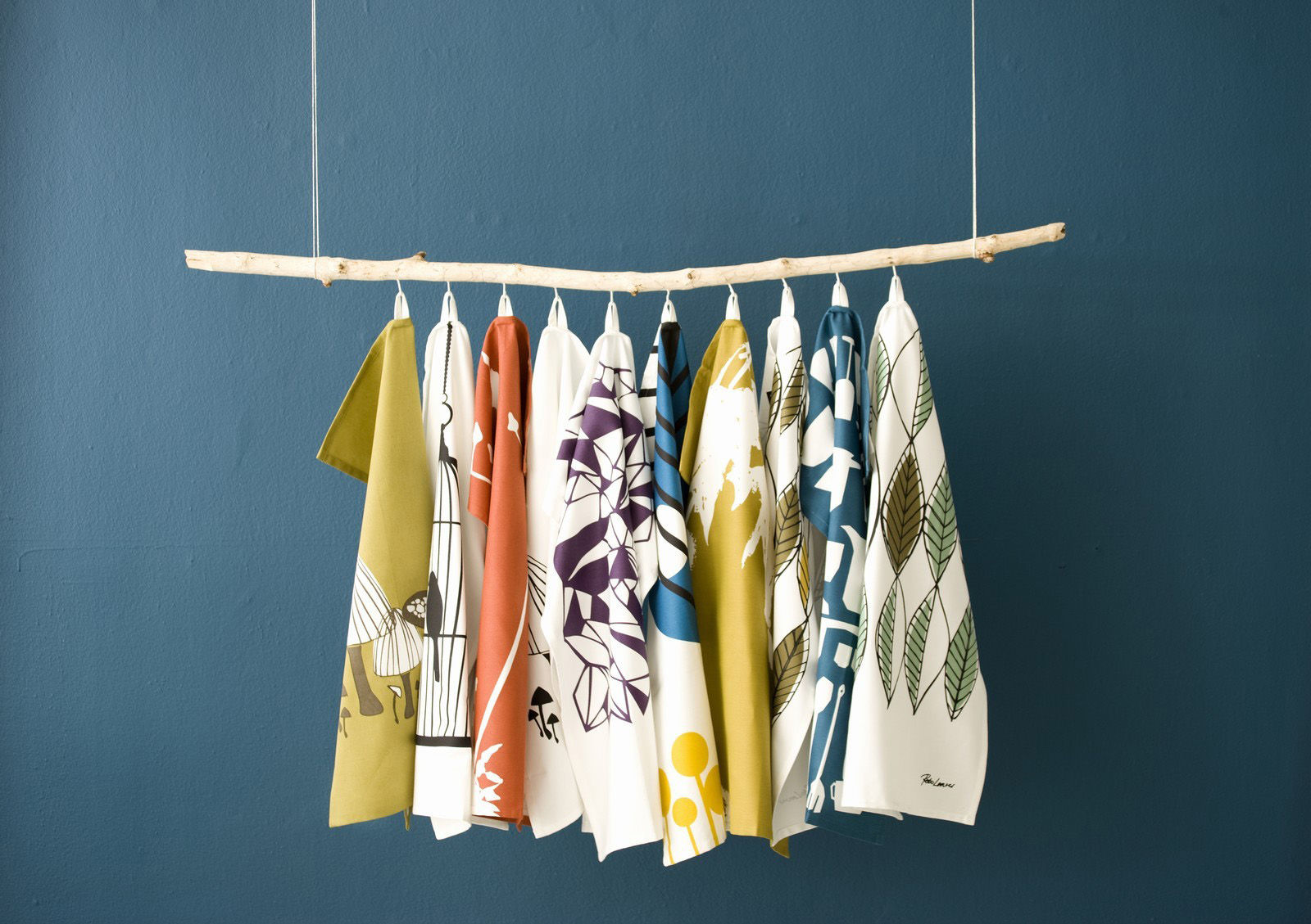 torchon pine noir jaune violet bleu blanc ferm living. Black Bedroom Furniture Sets. Home Design Ideas