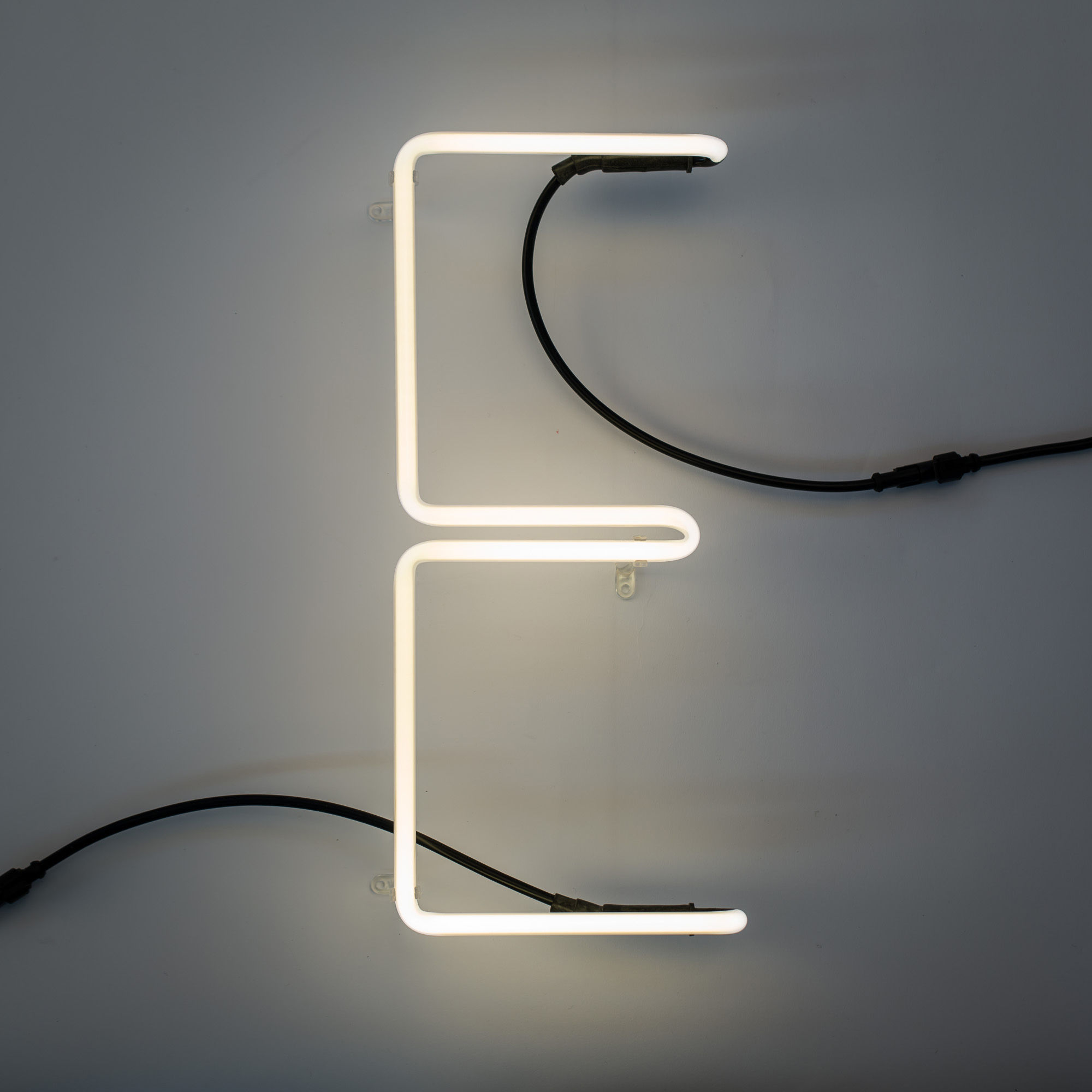 n on alphafont wall light with plug letter e e by seletti. Black Bedroom Furniture Sets. Home Design Ideas