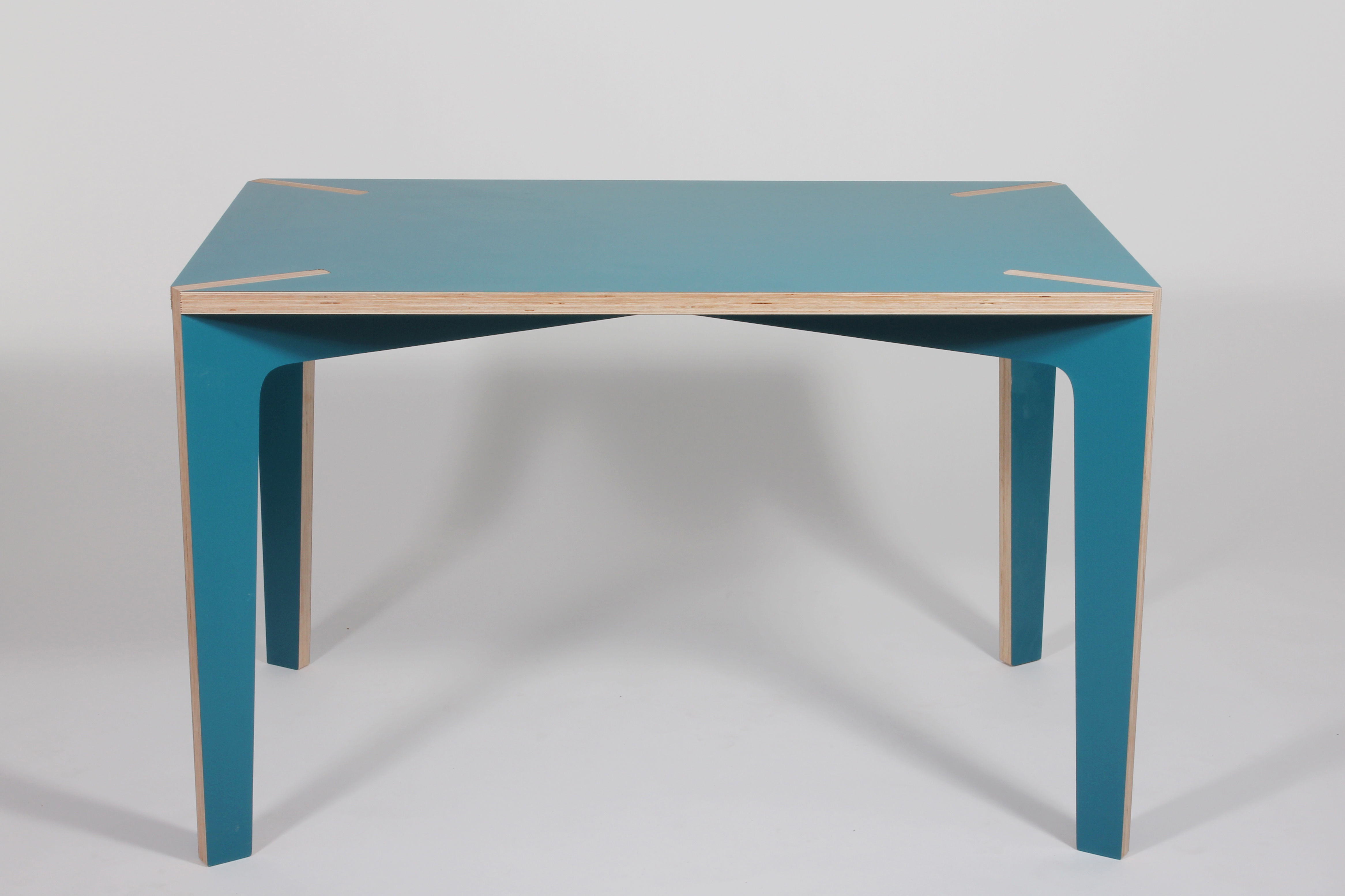 S rie x table table 120 x 75 cm 120 x 75 cm blue by la for Serie a table 99 00