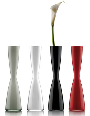 Solitaire Bud Vase Black By Eva Solo