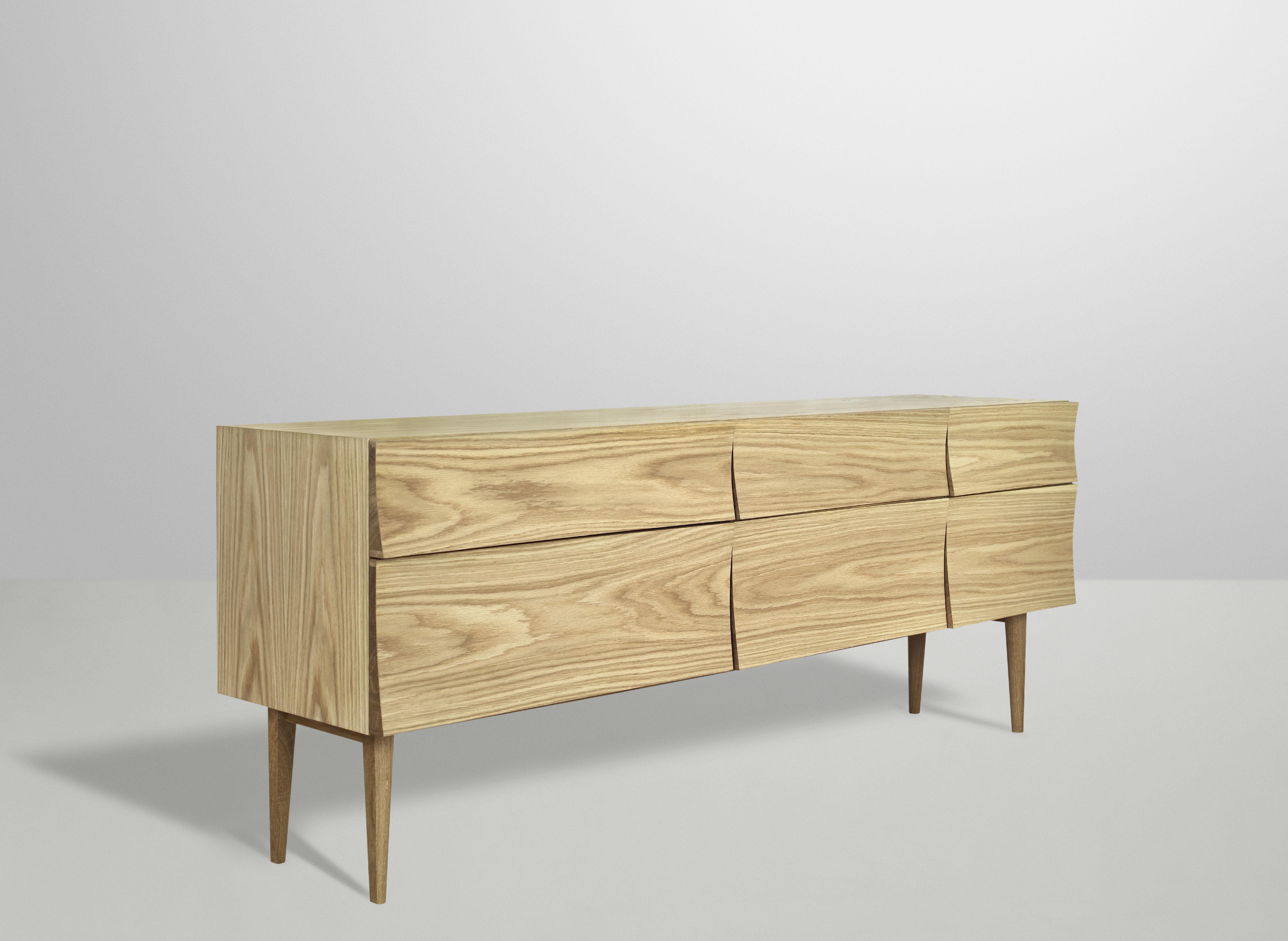 Reflect large dresser sideboard oak by muuto for Sideboard 40 cm