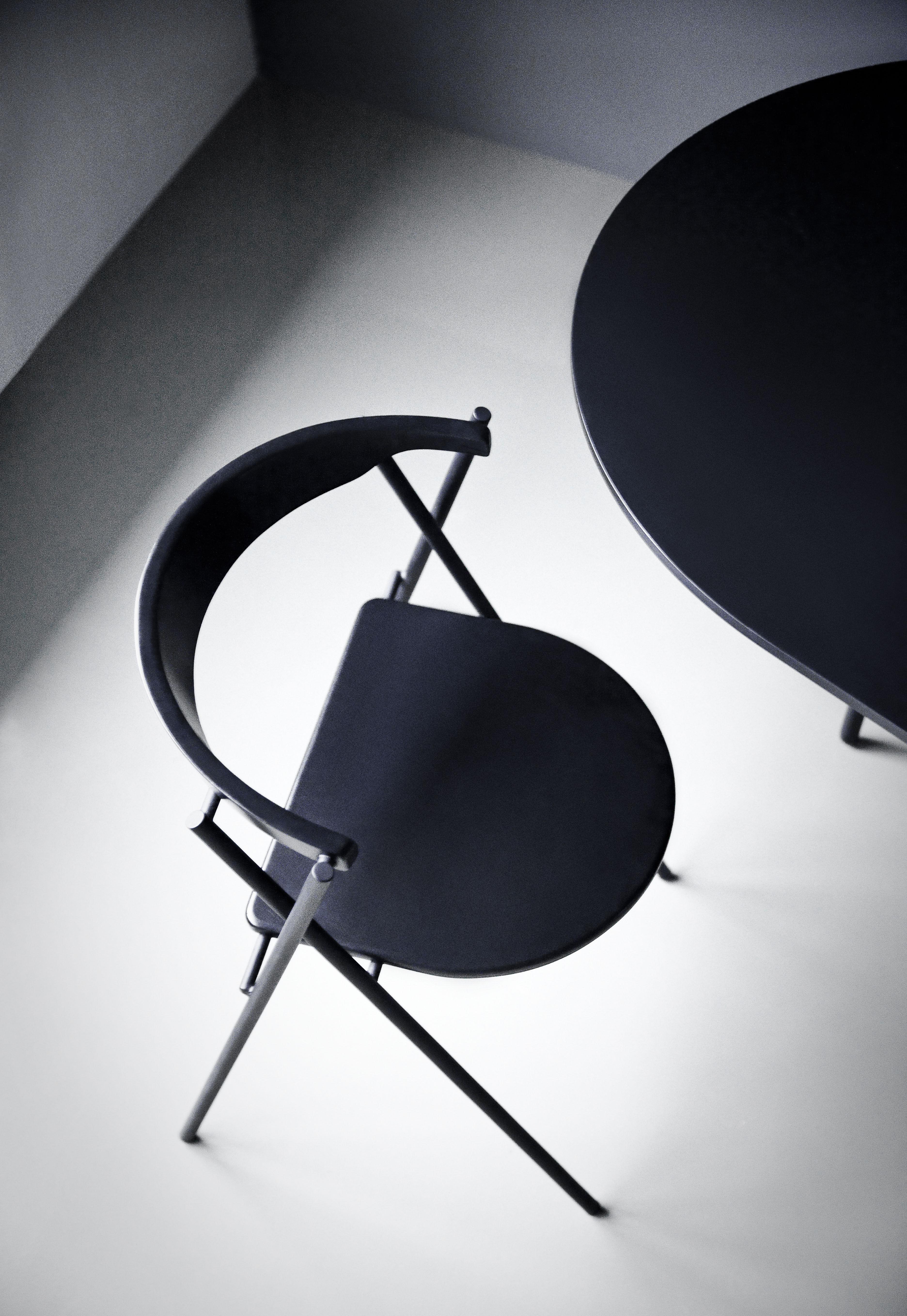 table snaregade ronde 140 cm noir menu. Black Bedroom Furniture Sets. Home Design Ideas