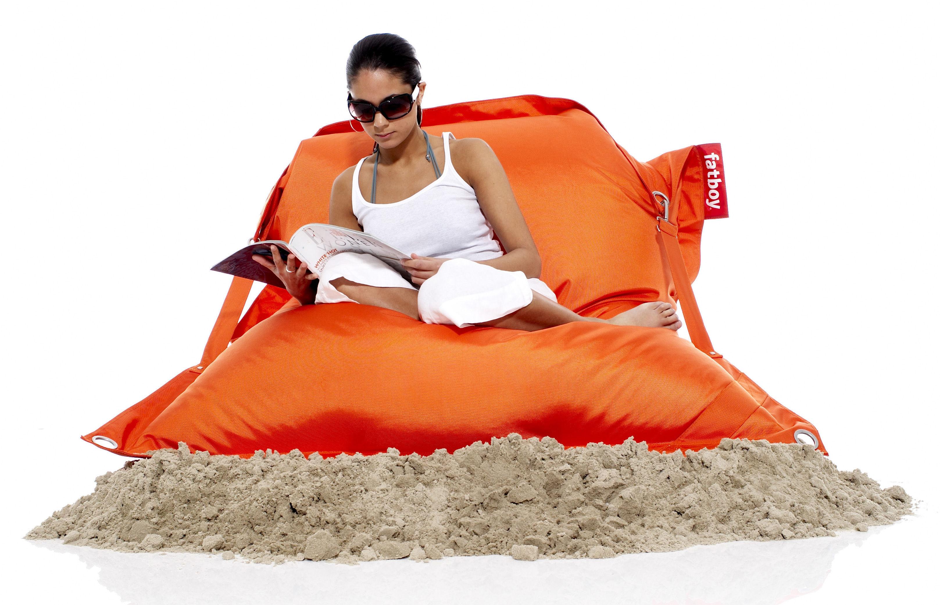buggle up pouf with adjustable straps orange by fatboy. Black Bedroom Furniture Sets. Home Design Ideas