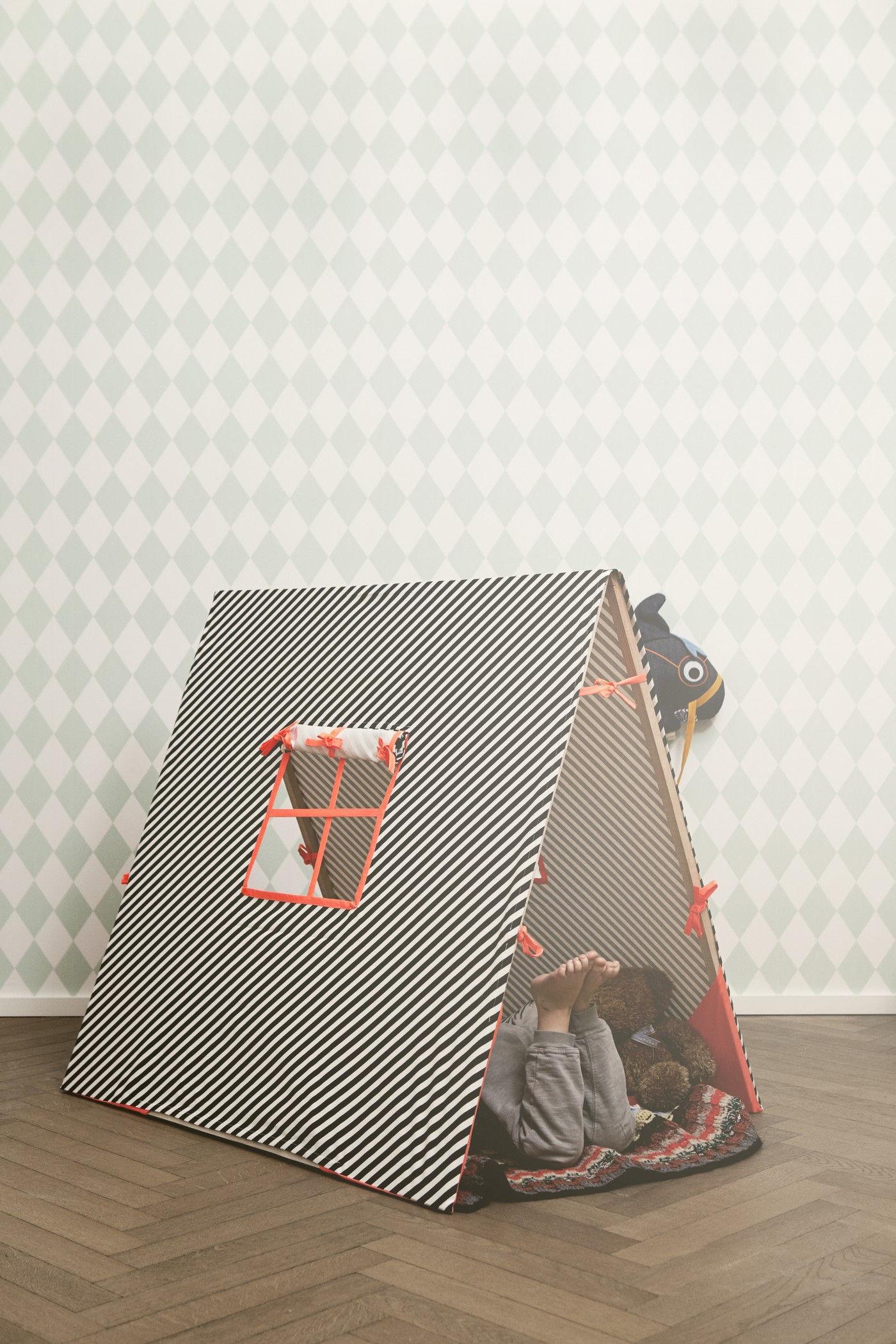 tente kids pour enfants noir blanc rose fluo ferm living. Black Bedroom Furniture Sets. Home Design Ideas