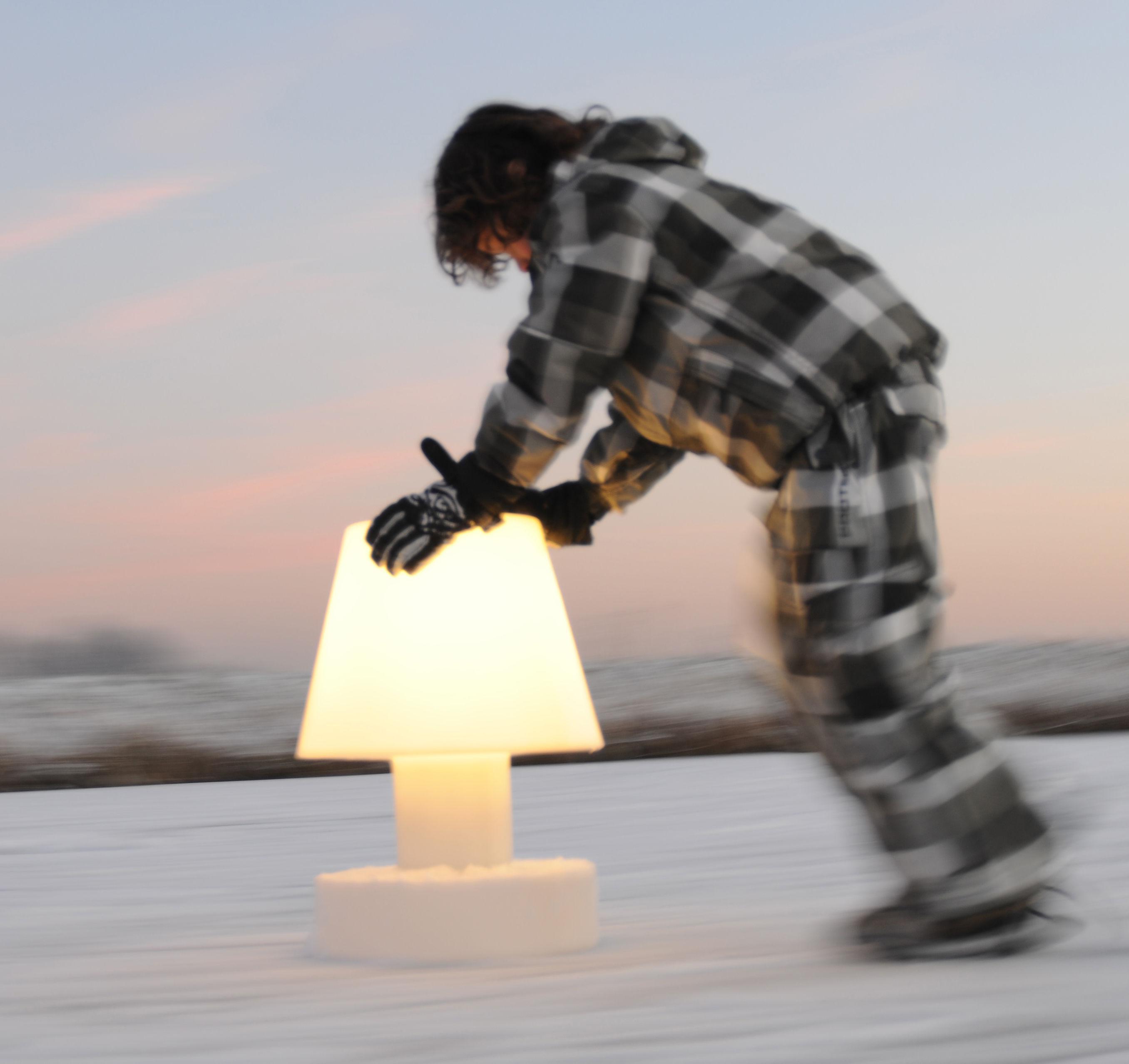 Scopri Lampada senza fili -Portatile senza filo ricaricabile - h 56 cm, Viola - H 56 cm di Bloom ...