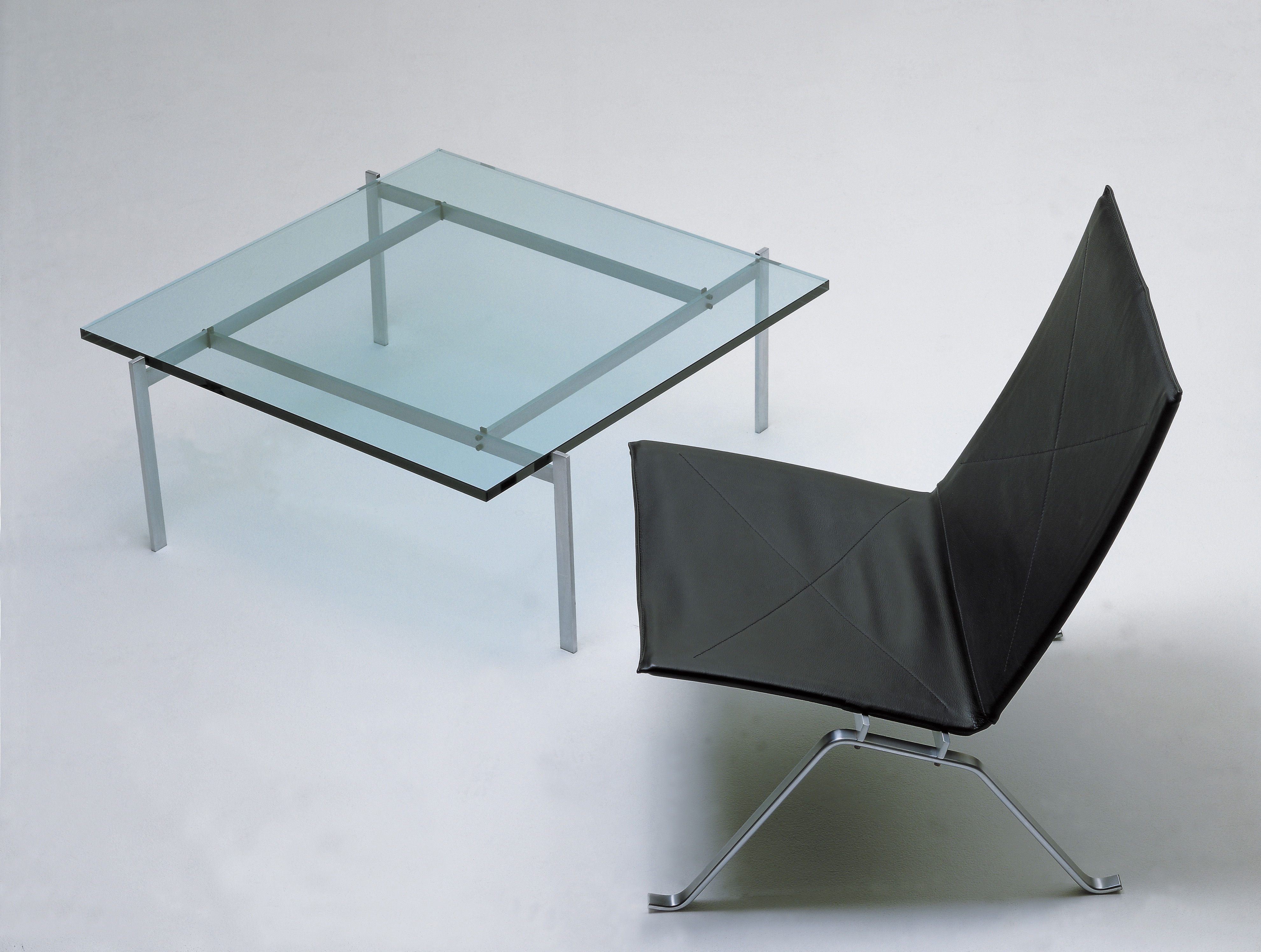 Pk 61 coffee table 80 x 80 cm glass top by fritz hansen for Coffee table 80 x 80