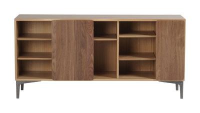 Möbel - Kommode und Anrichte - Svelto Anrichte / Eiche & Nussbaum - L 164 cm - Ercol - Eiche & Türen Nussbaum / Füße schwarz - Gussaluminium, massive Eiche, Nussbaum massiv