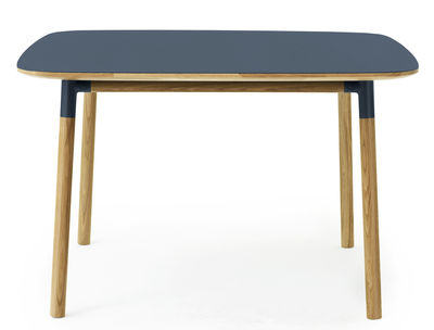 form tisch 120 x 120 cm blau eiche by normann copenhagen made in design. Black Bedroom Furniture Sets. Home Design Ideas