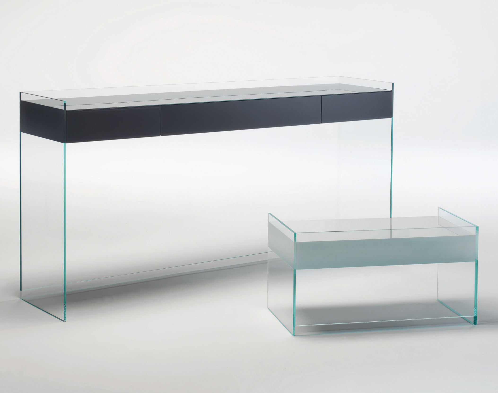 float 3 schubladen h 90 cm glas italia konsole. Black Bedroom Furniture Sets. Home Design Ideas