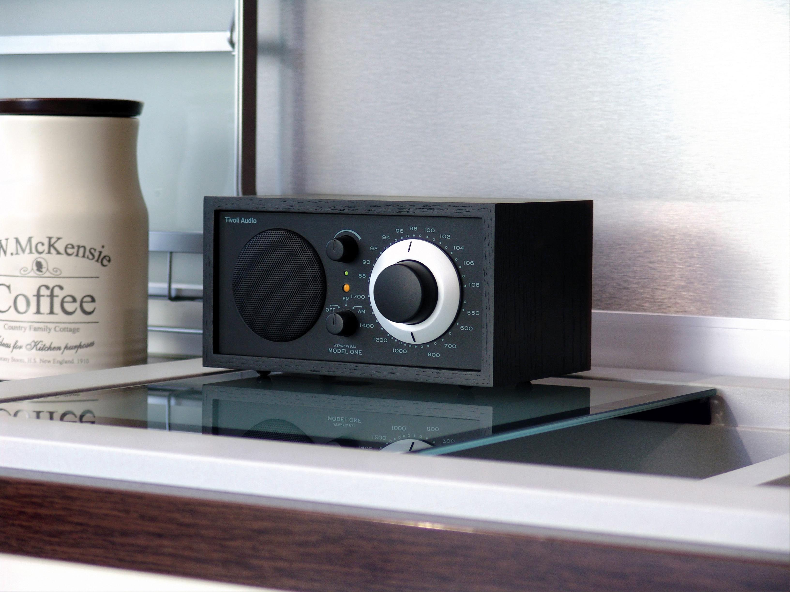 radio model one enceinte compatible ipod noir noir tivoli audio. Black Bedroom Furniture Sets. Home Design Ideas