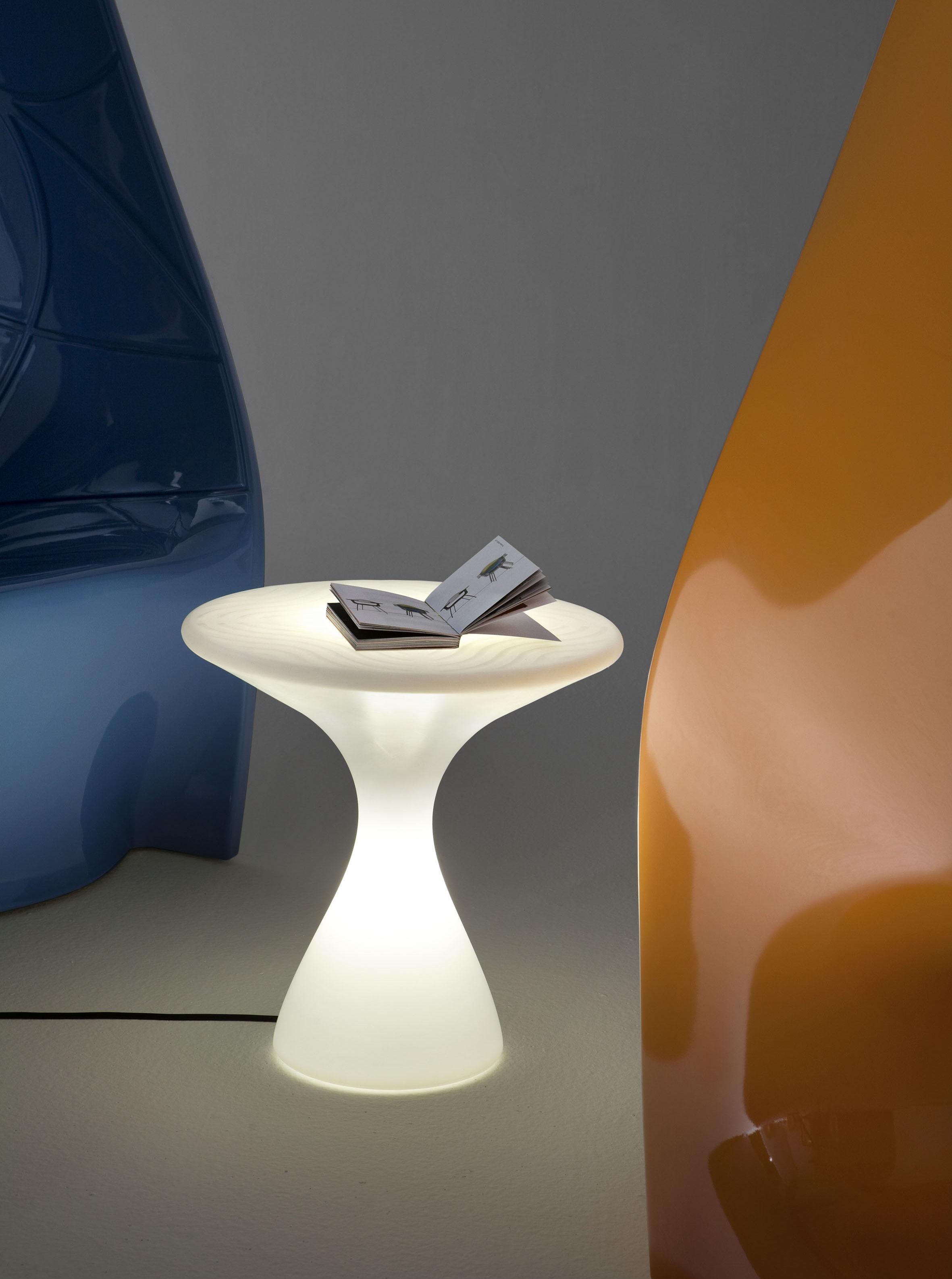 table basse lumineuse kissino h 45 cm version led sans c ble blanc opalin clairage led. Black Bedroom Furniture Sets. Home Design Ideas