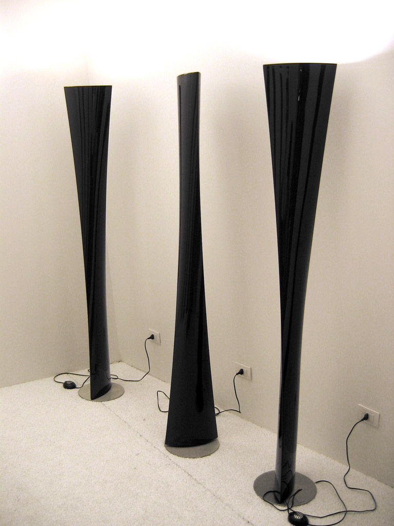 lampadaire polaris noir fontana arte. Black Bedroom Furniture Sets. Home Design Ideas