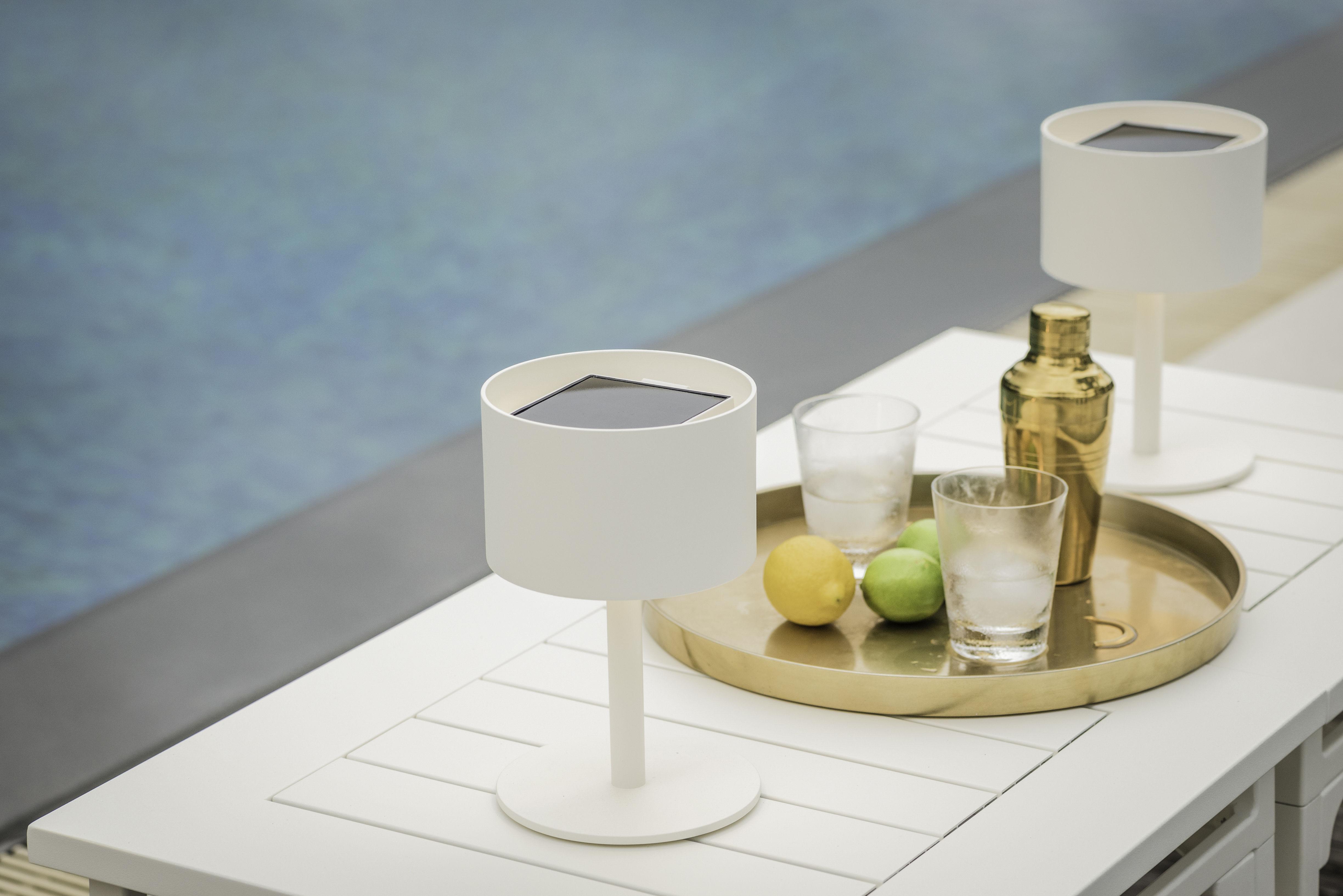 lampe solaire la lampe pose 01 led sans fil charbon maiori. Black Bedroom Furniture Sets. Home Design Ideas