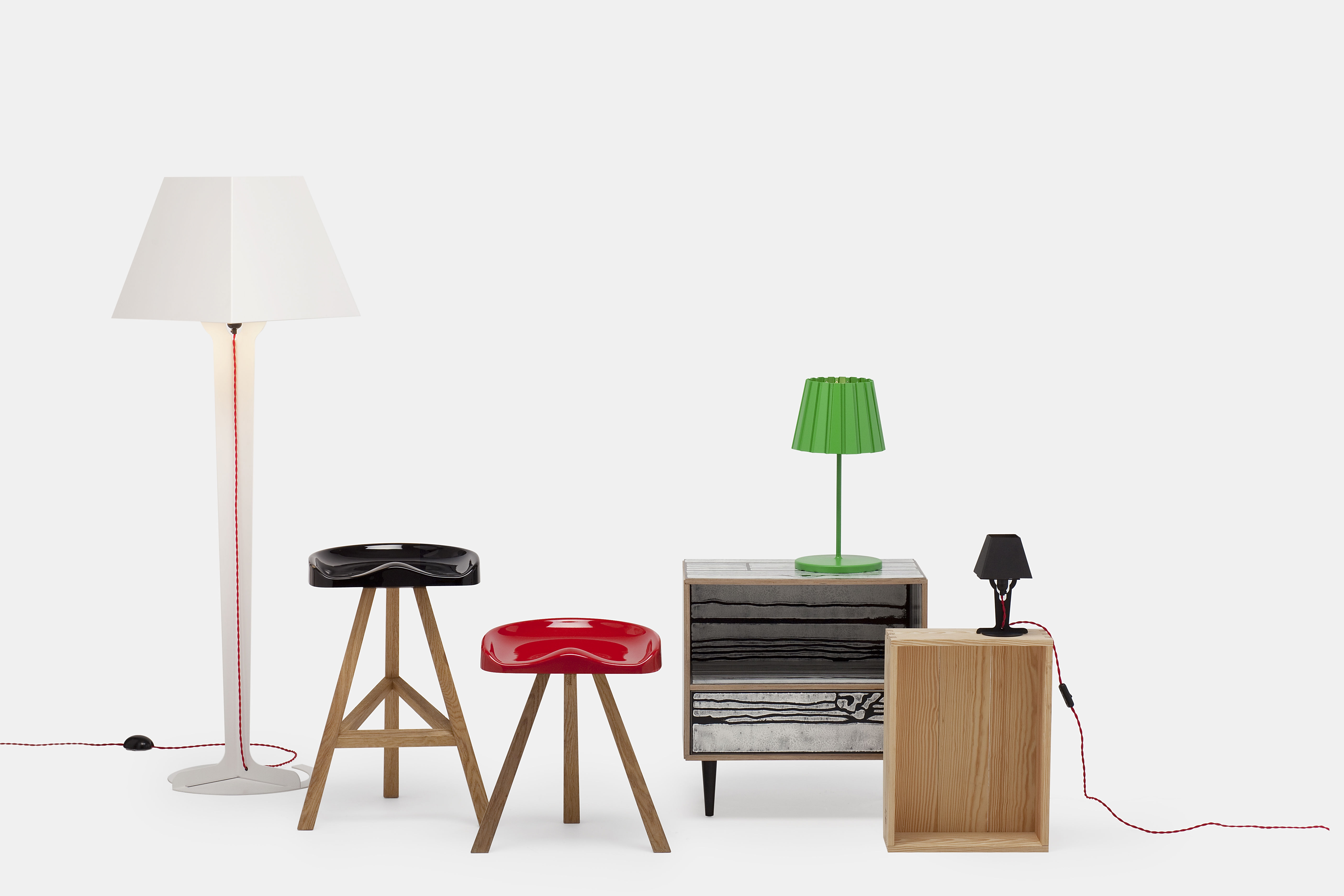 tabouret de bar heidi 80 cm plastique bois noir. Black Bedroom Furniture Sets. Home Design Ideas