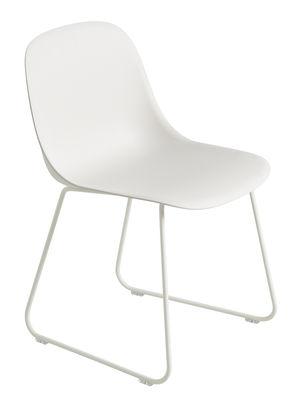 Mobilier - Chaises, fauteuils de salle à manger - Chaise Fiber / Pied traîneau - Muuto - Blanc / Pieds blancs - Acier, Fibre de bois, Polypropylène