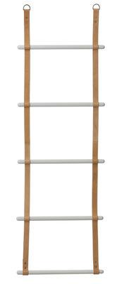 Foto Porta asciugamani Leather Ladder - / Porta-asciugamani - L 50 x H 170 cm di Ferm Living - Marrone,Grigio chiaro - Pelle