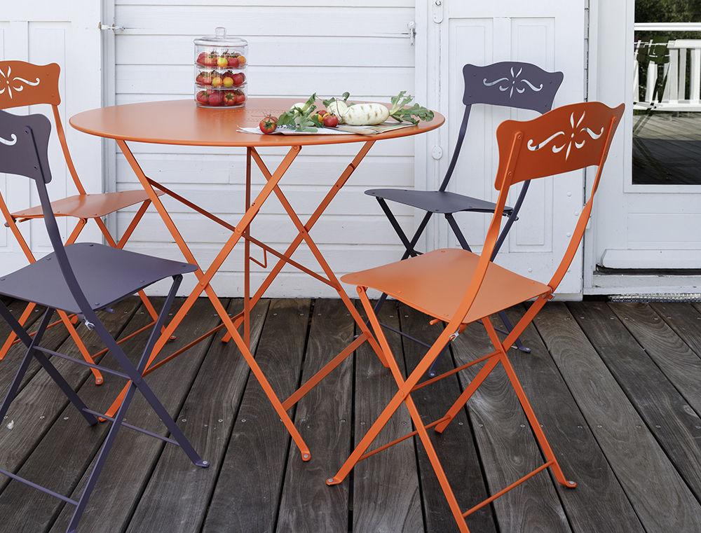 table pliante bistro 77 cm trou pour parasol cactus fermob made in design. Black Bedroom Furniture Sets. Home Design Ideas